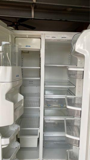 Whirlpool refrigerator for Sale in Hialeah, FL