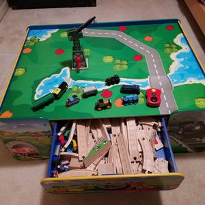 Train Table and Thomas Trains/ Tracks for Sale in Lorton, VA