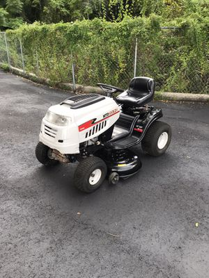 2014 MTD GOLD GARDEN TRACTOR 42 INCH RIDING LAWN MOWER for Sale in Clermont, FL