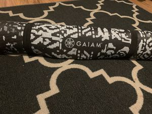 Gaiam Yoga Mat, black with white design for Sale in Chelsea, MA