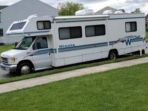 WeatherTech 2000 winnebago minnie Winne for Sale in Long Beach, CA