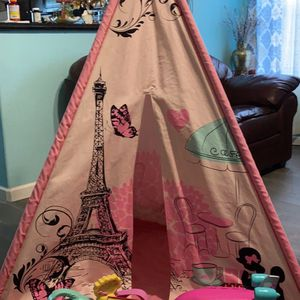 Casita,Silla y Juguetes / Teepee, Chair And Toys for Sale in Spring, TX