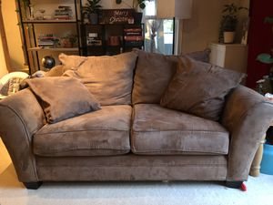 Oversized loveseat couch for Sale in Vancouver, WA