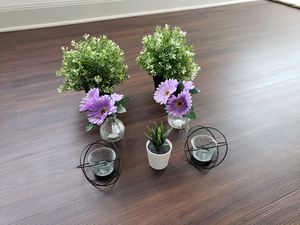 Artificial flower decors for Sale in Katy, TX