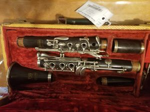 Bundy clarinet clarinete (wood/madera) for Sale in Parlier, CA