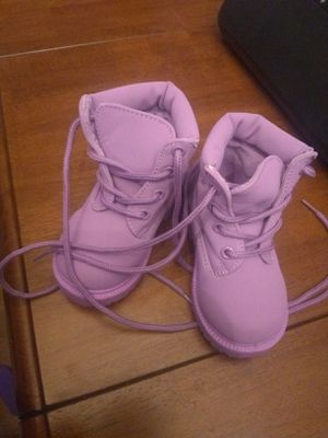 Girls size 5c boots for Sale in Lehighton, PA