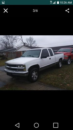 1998 chevy truck for Sale in Cumberland, IN