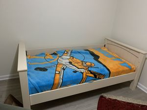 Twin ( easy install) , mattress , blanket for Sale in McLean, VA
