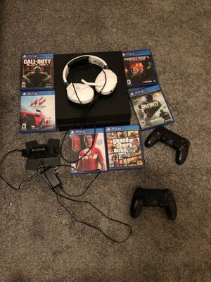 Ps4 all games and controls and headphones and controlcharger for Sale in Houston, TX