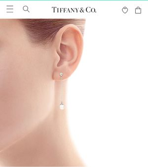 Tiffany & Co. Silver and pearl drop earrings for Sale in Brooklyn, NY