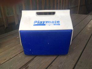 Igloo Playmate Cooler - Works Great for Sale in Chicago, IL