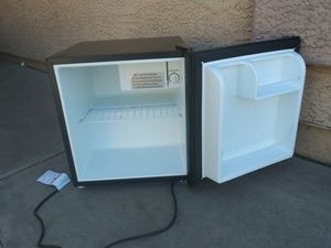 Small refrigerator in good condition everything works very well. for Sale in Phoenix, AZ