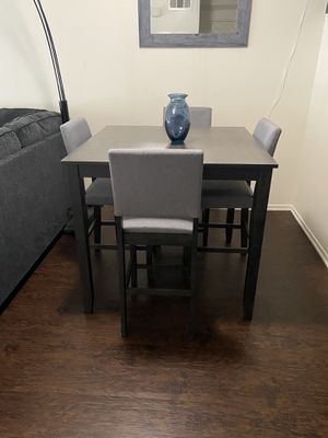 5 piece dining room set for Sale in Fontana, CA