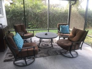 Patio Furniture Set with New umbrella for Sale in Tampa, FL
