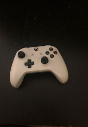 Xbox one controller for Sale in Largo, FL