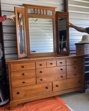 Gorgeous Solid Wood Dresser w/ removable mirror for Sale in Stockton, CA