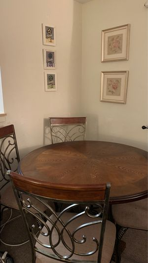 Dining room set for Sale in Lynn, MA