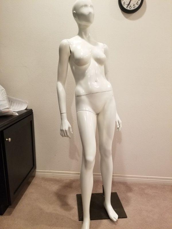 Glossy Female Mannequin