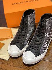 Louis Vuitton 8-13 for Sale in Orlando, FL