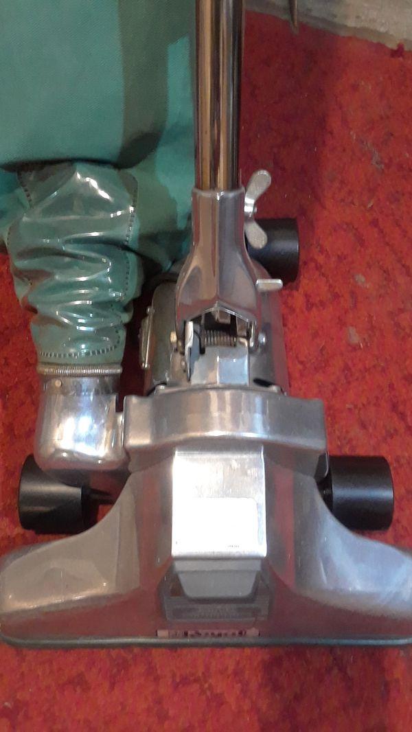 Vacuum by Royal