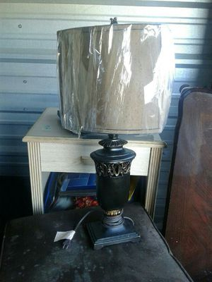 Table lamp for Sale in Cleveland, MS