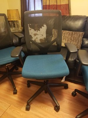 4 desk chairs in excellent condition for Sale in Lawrence, MA