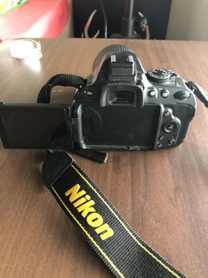 Nikon d5100 dslr camera with dx 55-200mm lens. With video for Sale in Vallejo, CA