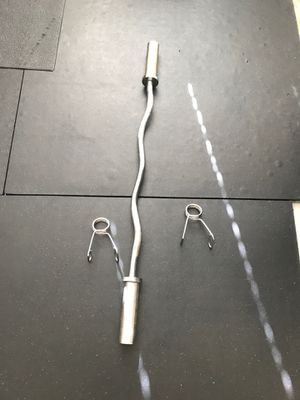 Olympic Curl Bar with clips for Sale in North Las Vegas, NV