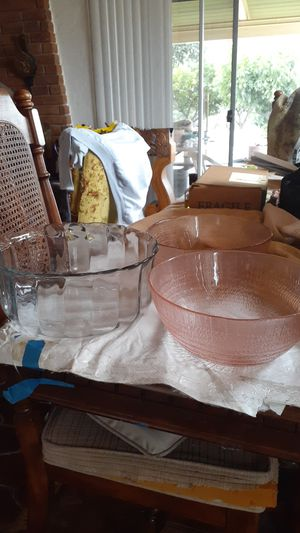 4 Salad or mixing bowls for Sale in Covina, CA