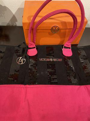 Duffle Bag for Sale in Pico Rivera, CA