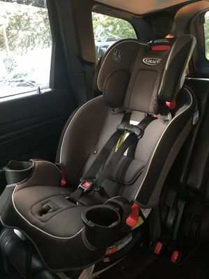Graco SlimFit All-In-One Convertible Car Seat for Sale in Boyertown, PA