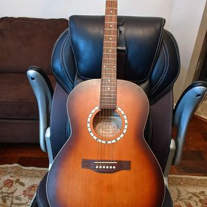 Beautiful Art and Lutherie Folk Cedar Antique Burst Guitar, With hardshell case for Sale in Richardson, TX