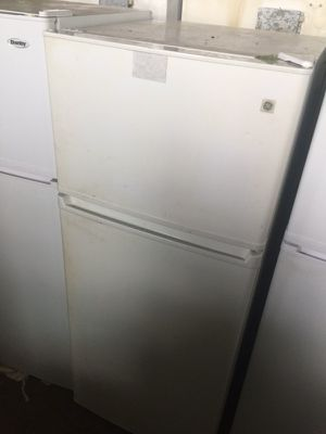 Refrigerator up for sale for Sale in Cleveland, OH