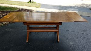 Vintage cushman colonial style hutch and table with chairs for Sale in St. Charles, IL