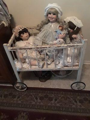 Antique doll cradle..Reduced for Sale in Wyandotte, MI