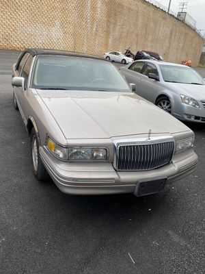1995 Lincoln Towncar for Sale in Owings Mills, MD