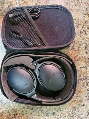 BOSE QC 35 II Bluetooth Headphones for Sale in Baltimore, MD