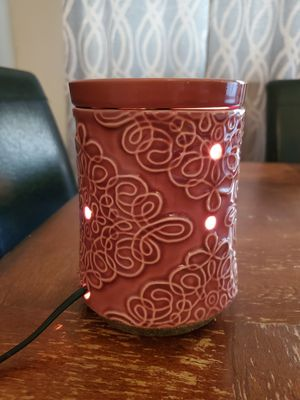Scentsy Warmer (thistle) for Sale in Houston, TX