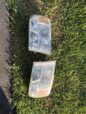Dodge Ram 1500 Headlights w/ Bulbs for Sale in Southwest Ranches, FL