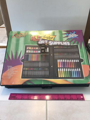 Art Supplies 163 piece set. for Sale in Roselle Park, NJ