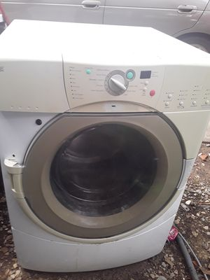 Washer and dryer whirlpool for Sale in Grand Prairie, TX