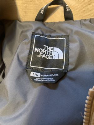 The north face women's jacket for Sale in Fort Pierce, FL