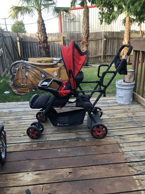 Sit and stand doble stroller for Sale in Bryan, TX