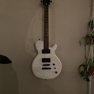 Dean Les Paul Electric Guitar And Amp for Sale in Portland, OR