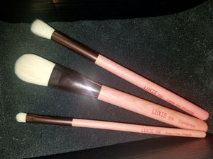 Gaea 3 Piece Makeup Brush Set for Sale in Pflugerville, TX