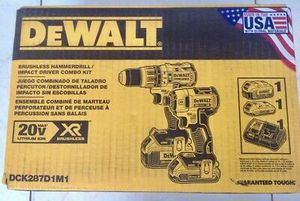 Dewalt 20-Volt MAX XR Lithium-Ion Cordless Brushless Drill/Impact Combo Kit (2-Tool) with (1) Battery 2Ah and (1) Battery 4Ah for Sale in Stickney, IL