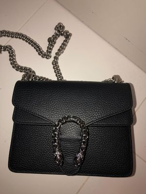Gucci crossbody bag for Sale in Fort Lauderdale, FL