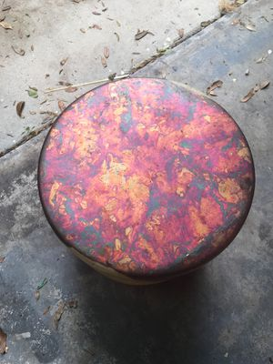 Unique marble like end table for Sale in Orlando, FL