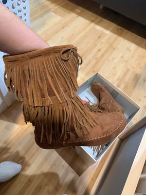 Winter fringe boot for Sale in Houston, TX