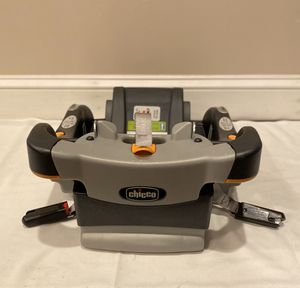 Chicco Car seat base for Sale in Laurel, MD